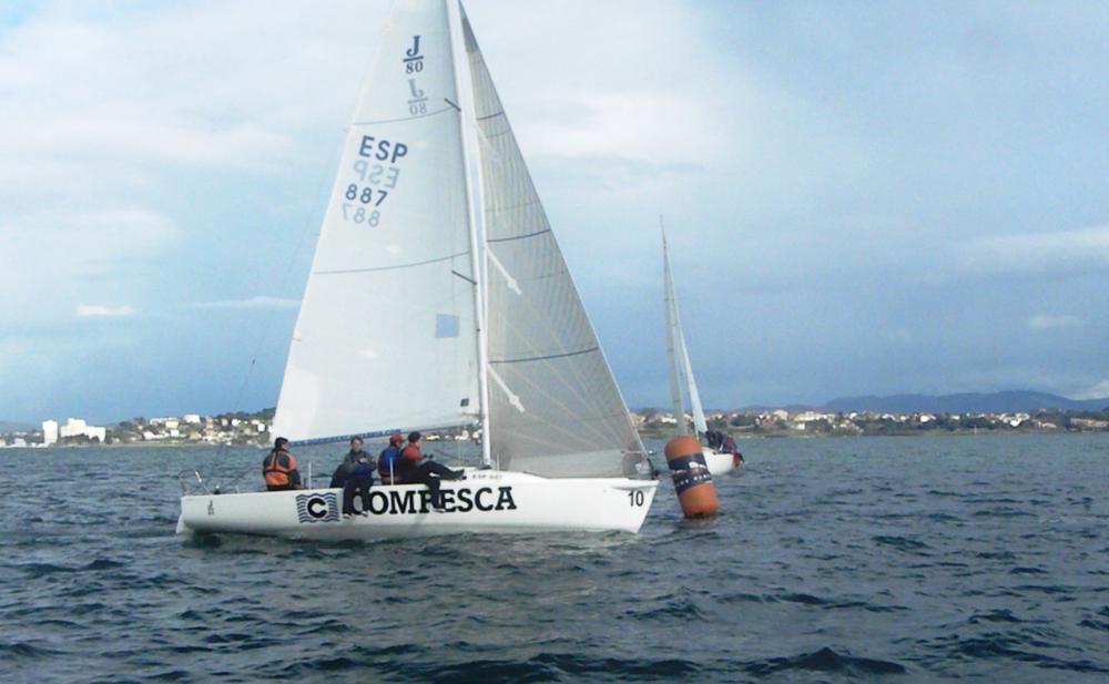 Solamente J80, Laser y Snipe navegaron este fin de semana en la bahía