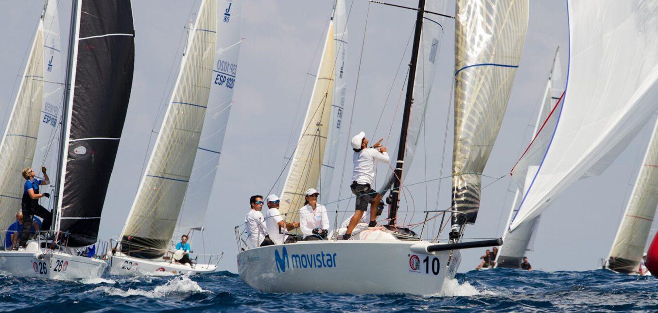 La falta de viento condiciona la cuarta jornada del Mundial J80 de Getxo
