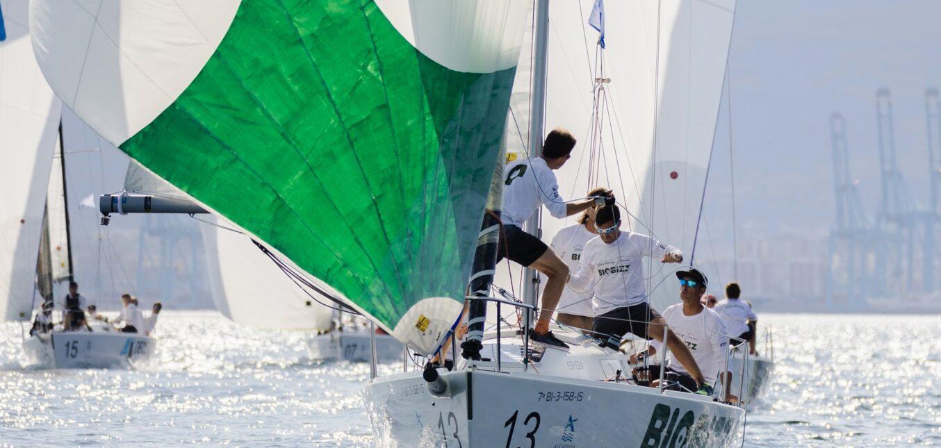 Ya tenemos a los mejores equipos del año. Biobizz lider del circuito J80 Sailing Series.